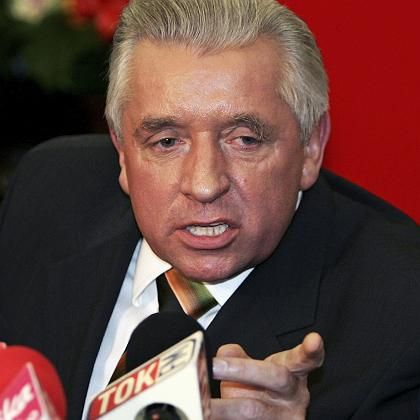 Poland's deputy prime minister and agriculture minister Andrzej Lepper, shown here in a December 2006 file photo, has been sacked by Jaroslaw Kaczynski.