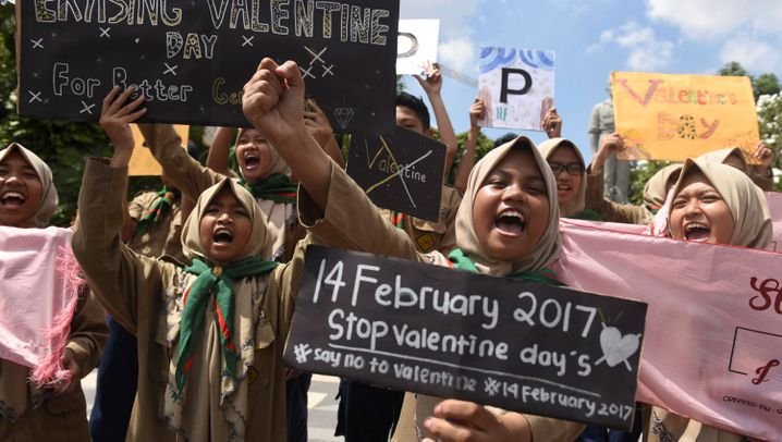 Valentinstag in Indonesien: Politiker gegen Teenager