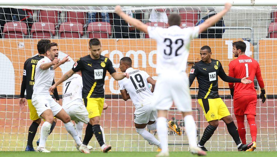 Augsburger Jubel, Dortmunder Frust: Der Moment nach dem 1:0 des FCA