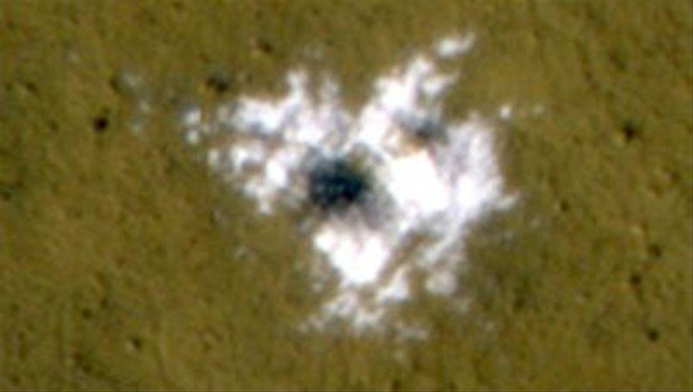Mars: Hochreines Eis in Kratern