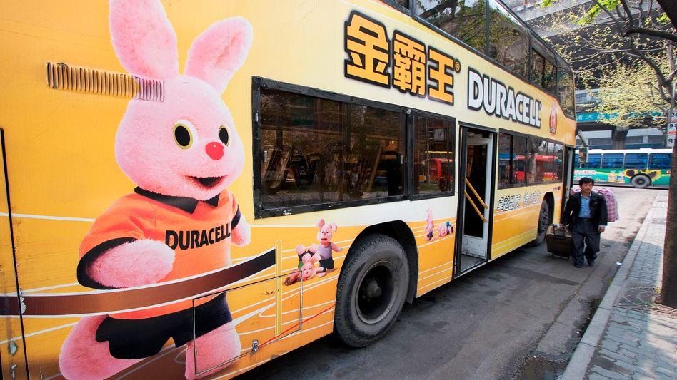 "Hoppelt auch durch China: Werbefigur ""Duracell-Hase"" in Shanghai"