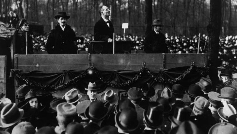Demos und Kriegskredite: Die SPD und der Erste Weltkrieg