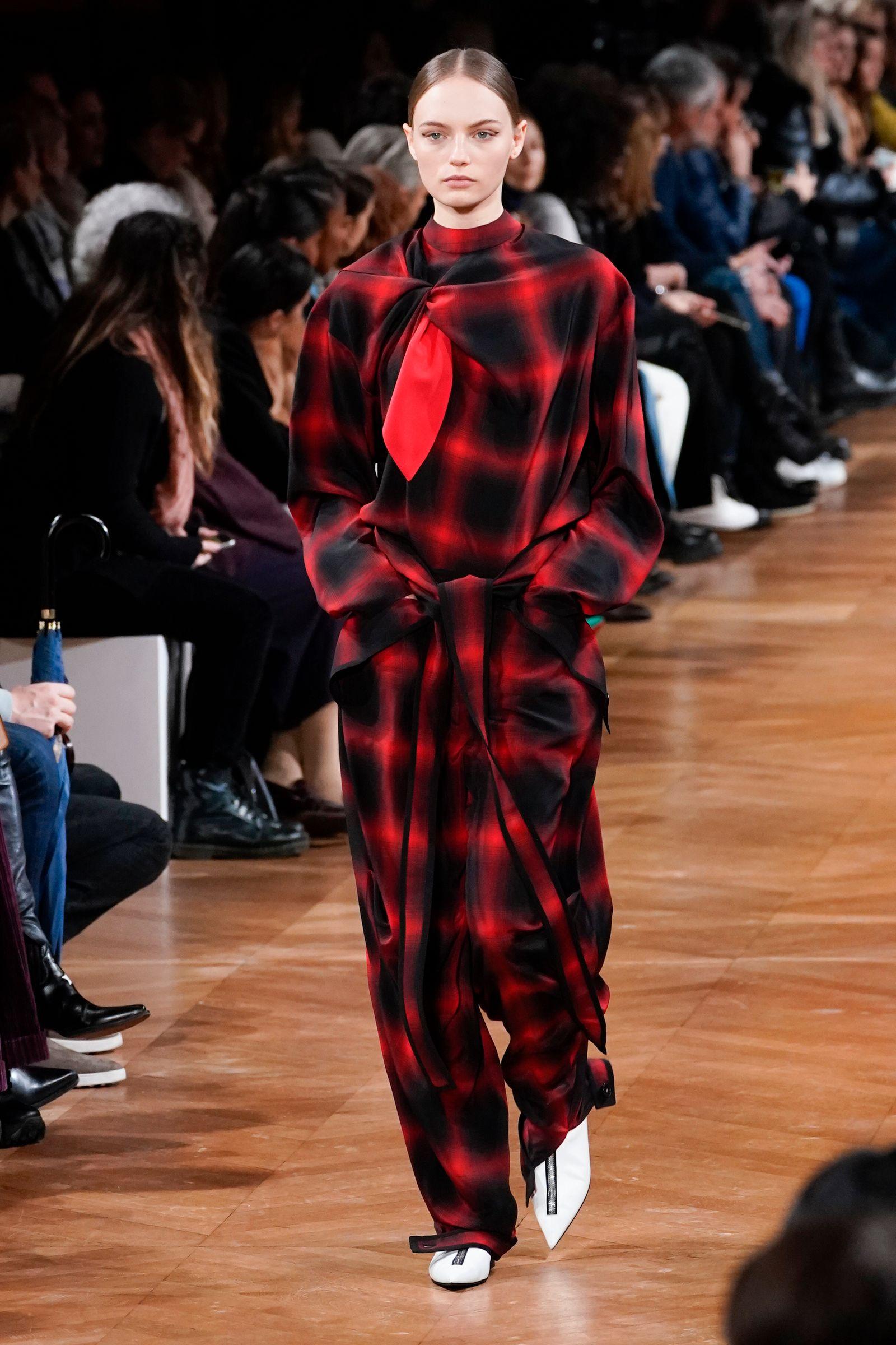 Stella McCartney : Runway - Paris Fashion Week Womenswear Fall/Winter 2020/2021