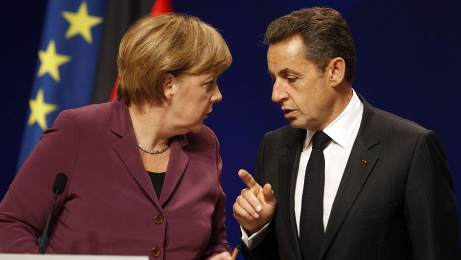 German Chancellor Angela Merkel and French President Nicolas Sarkozy are reported to be planning joint bonds with four other strong euro nations.