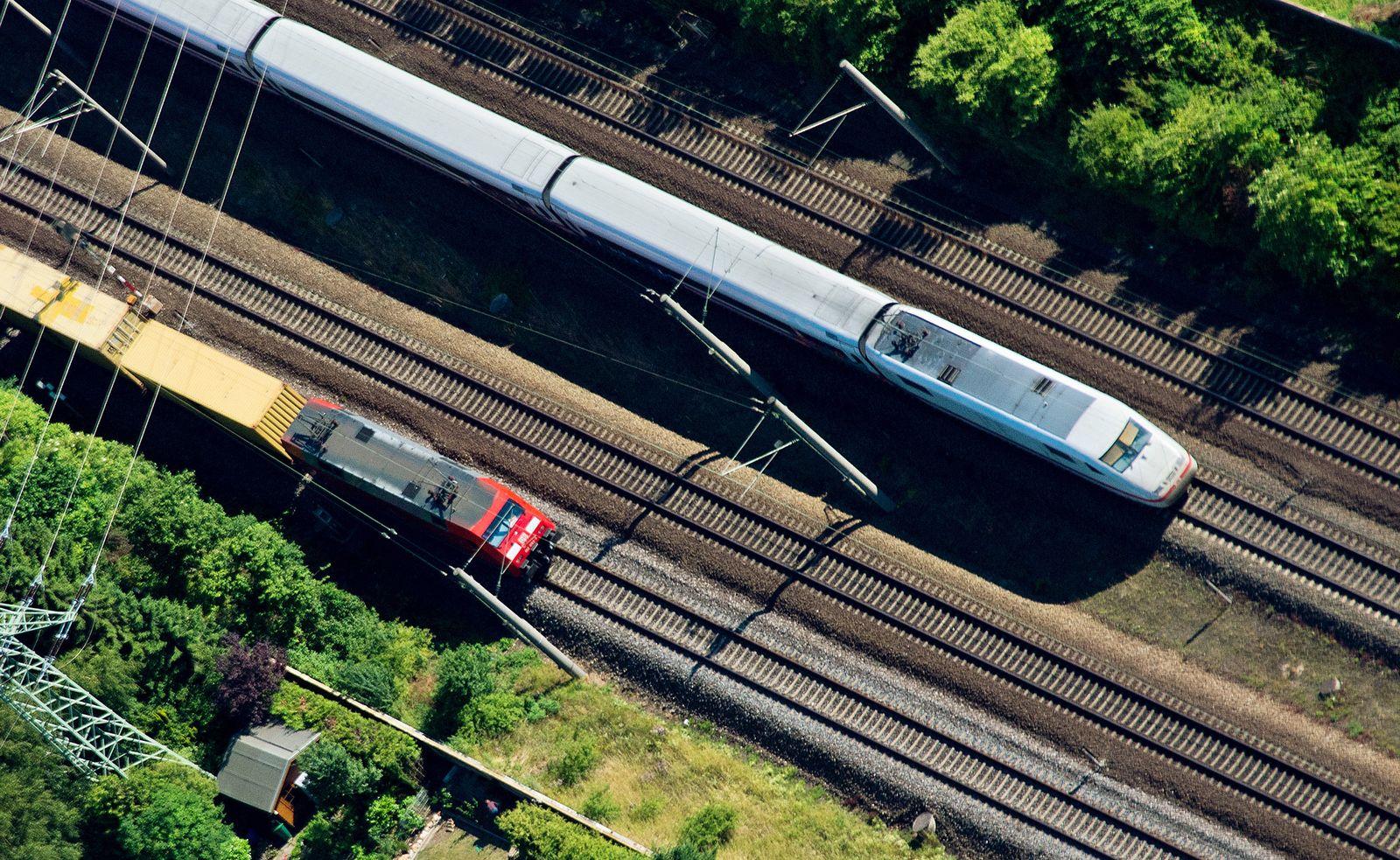 Züge/Bahn
