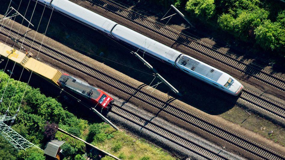 Züge der Deutschen Bahn (Archivbild)