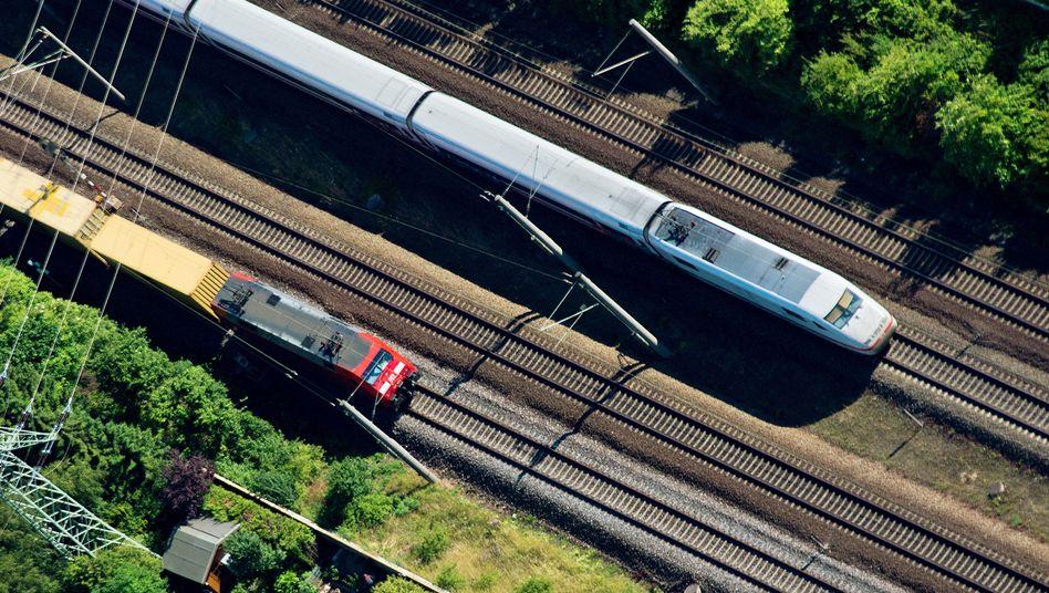 Züge bei Hannover: Unwetter sorgen für Zugausfälle
