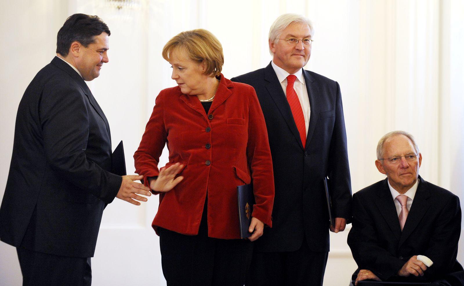 NICHT VERWENDEN Gabriel / Merkel