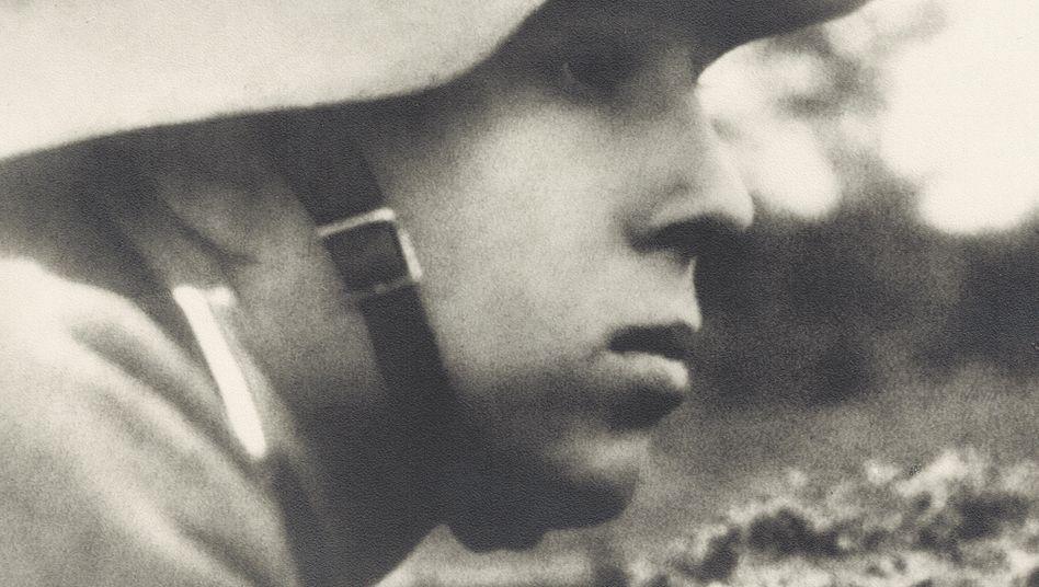 Unterm Stahlhelm: Über seinen Großvater wusste André Postert jahrzehntelang fast nichts und kannte nur dieses Bild
