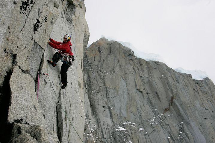 Stefan Glowacz am Cerro Murallón (2656m) in Patagonien (2004)