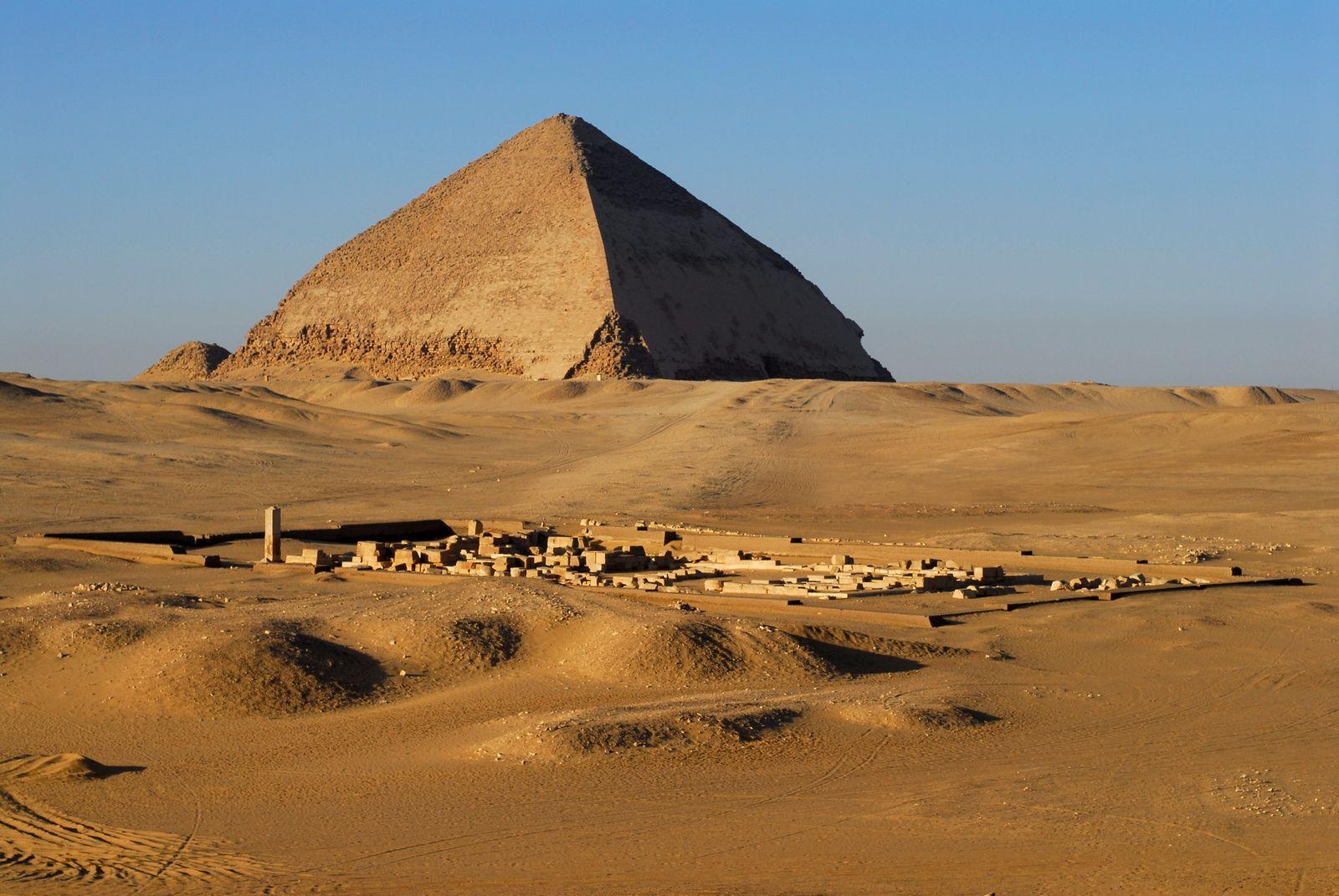 Neue Funde in Dahschur - Knickpyramide des Pharao Snofru