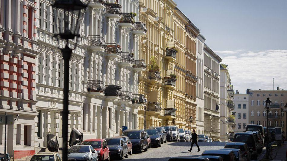 Sanierte Wohnhäuser in Berlin-Kreuzberg: Die neue Obergrenze für den Preis von Wohnraum bleibt umstritten