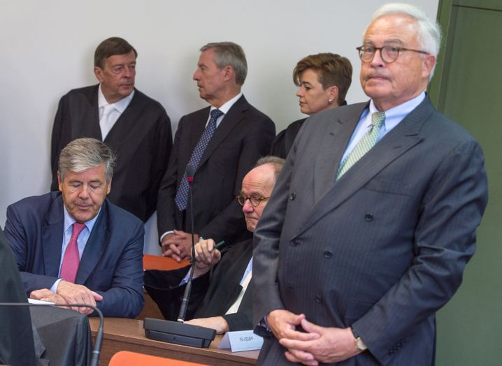 Angeklagte Ackermann (l.), Fitschen (3.v.l.) und Breuer (r.)