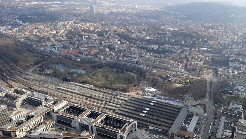 Luftbild des Stuttgarter Hauptbahnhofs (Archiv): Alternativen bis hin zum Ausstieg?