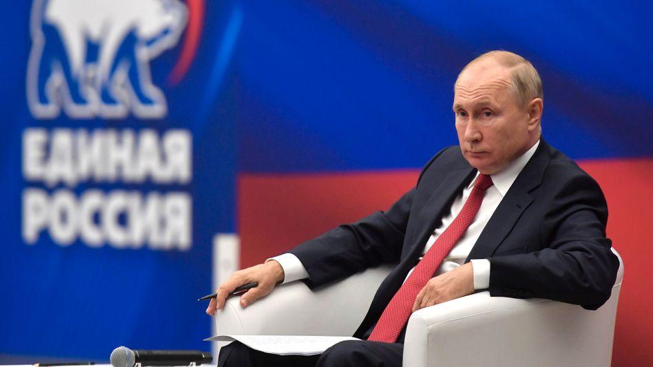 Wladimir Putin bei einem Treffen mit Mitgliedern der Kremlpartei Einiges Russland