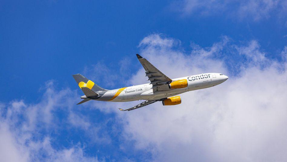 """Condor-Maschine in Frankfurt: """"Es ist toll, dass wir weiter fliegen"""""""