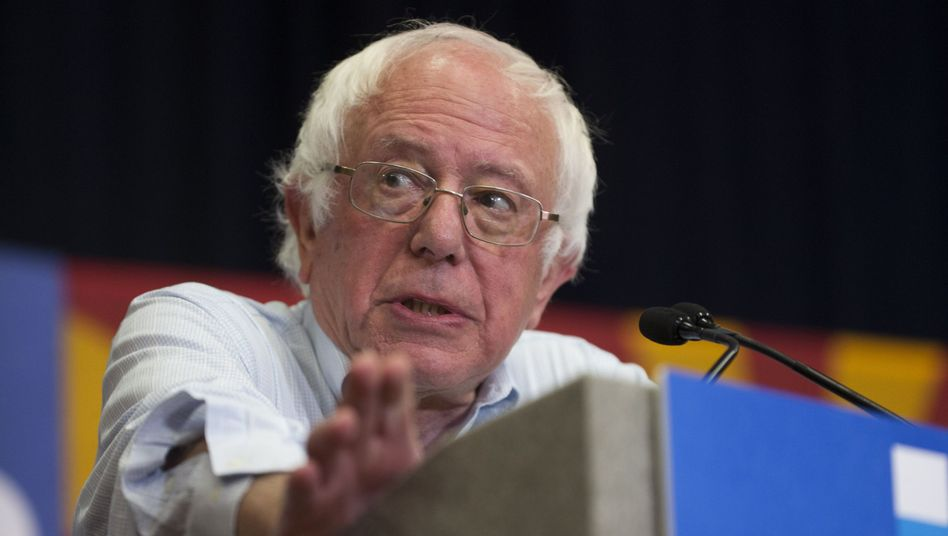 "Kritik an Trump: Sanders nennt Nominierung Bannons ""völlig inakzeptabel"""