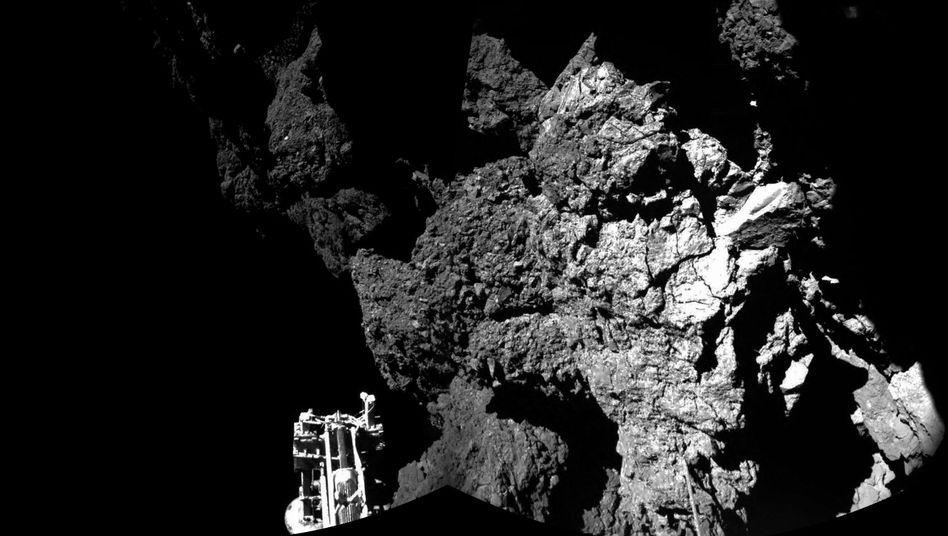 """Foto vom Kometen Tschuri: """"Philae""""-Sonde schickt erste Fotos nach der Landung"""