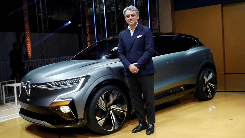 Renault-Chef Luca de Meo bei der Präsentation eines Elektrowagens: Künftig nicht schneller als 180 km/h