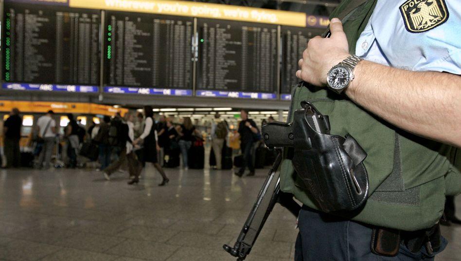 Bundespolizist auf dem Flughafen Frankfurt: Geheimer Code nicht veröffentlicht