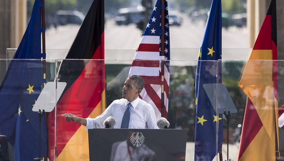 """US President Barack Obama in front of the Brandenburg Gate in Berlin: """"We are also citizens of the world."""""""