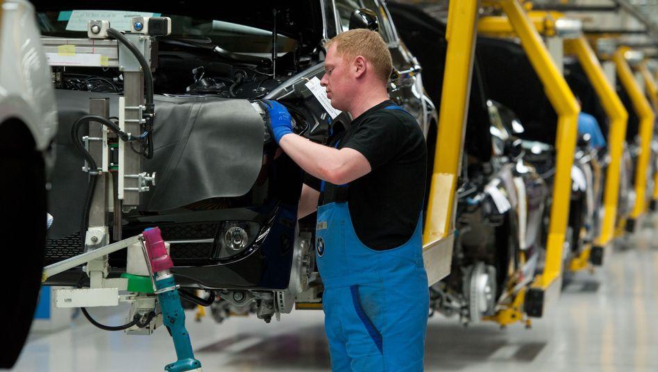 BMW-Produktion im Werk Dingolfing: BMW plant weiteres Outsourcing