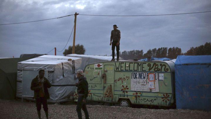 Calais: Aus dem Dschungel auf die Insel