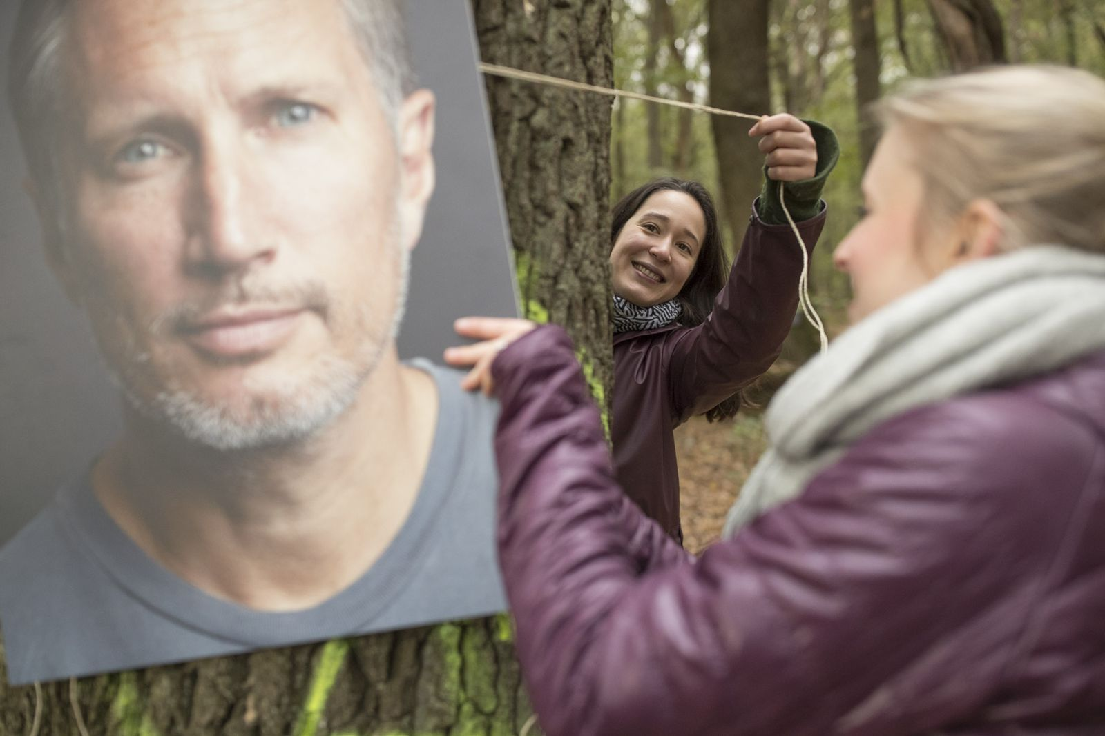 Prominente übernehmen Patenschaften für Bäume im Hambacher Forst