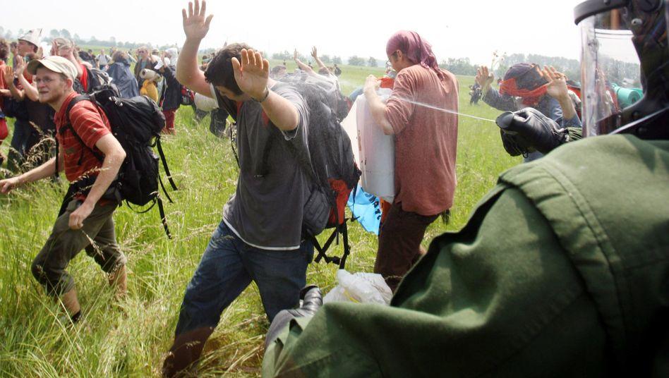 Pfefferspray-Einsatz (bei G-8-Gipfel in Heiligendamm 2007): Mehrere verdächtige Fälle