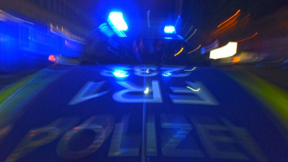 Polizistin und Kollege in Düsseldorf (Symbolbild)