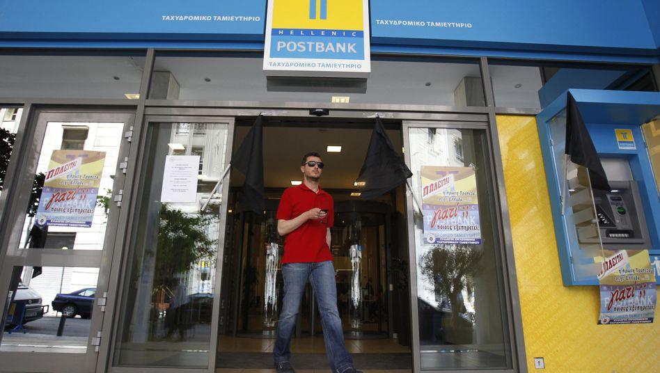 Postbank-Filiale in Athen: Massiver Abzug von Spareinlagen