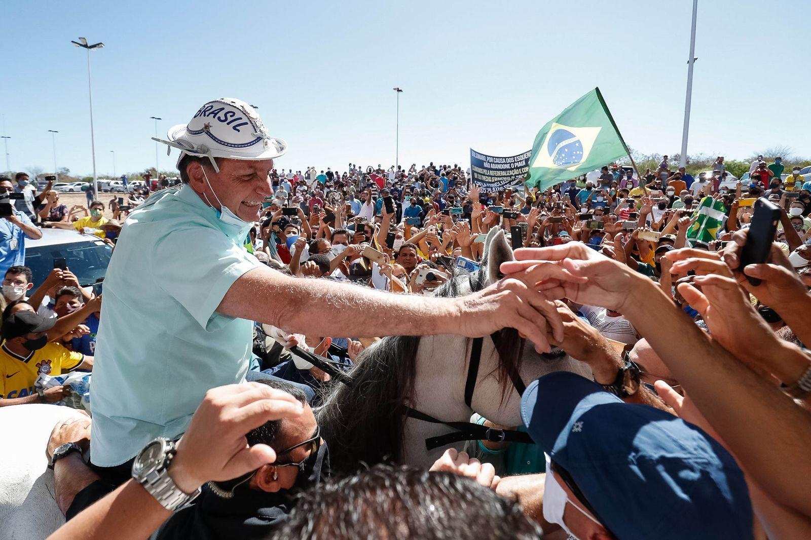 Visit of the President of Brazil to the interior of the country, Sao Raimundo Nonato - 30 Jul 2020