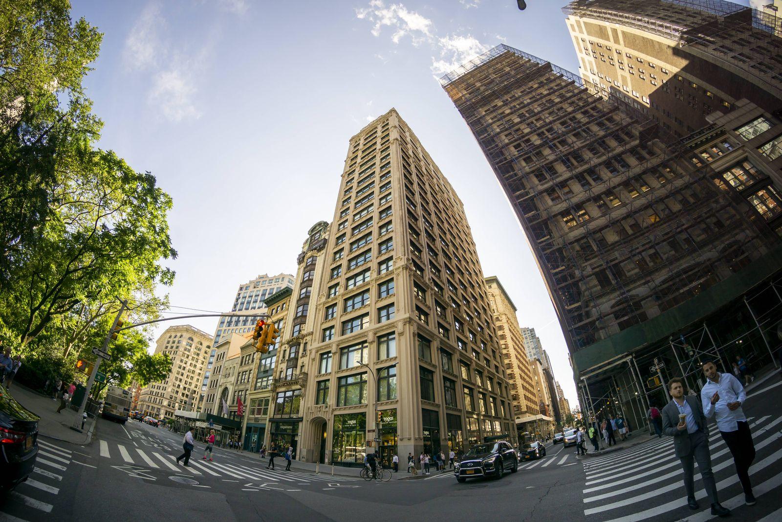 EINMALIGE VERWENDUNG 212 Fifth Avenue / NY