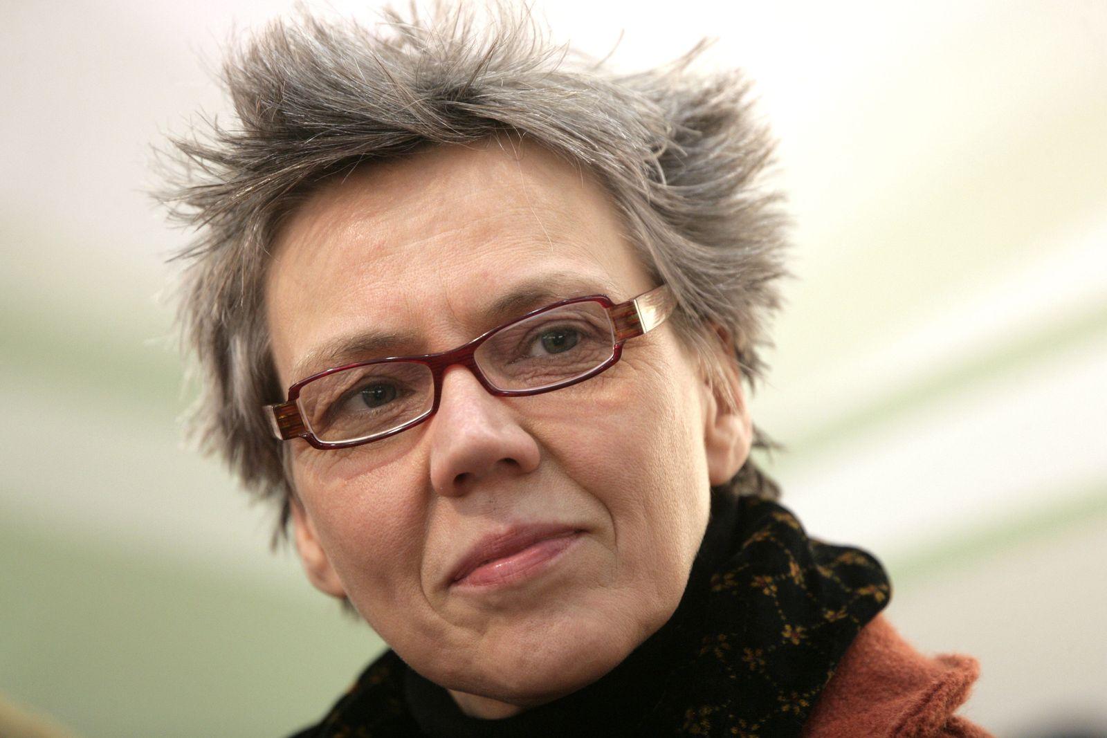 EINMALIGE VERWENDUNG Esther Kinsky