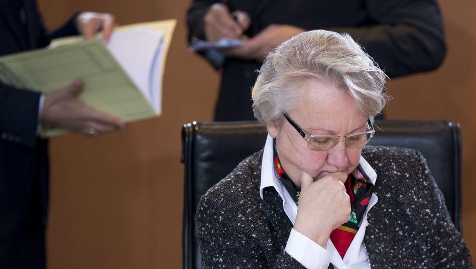 Plagiatsverfahren gegen Bildungsministerin: Uni verdammt Schavan zum Warten