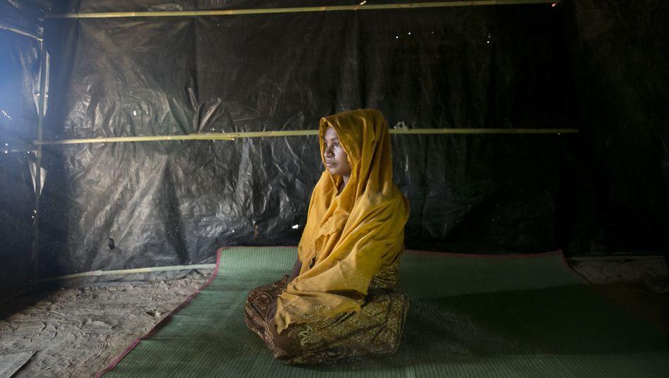 Fareza, 17, im Flüchtlingscamp in Bangladesch