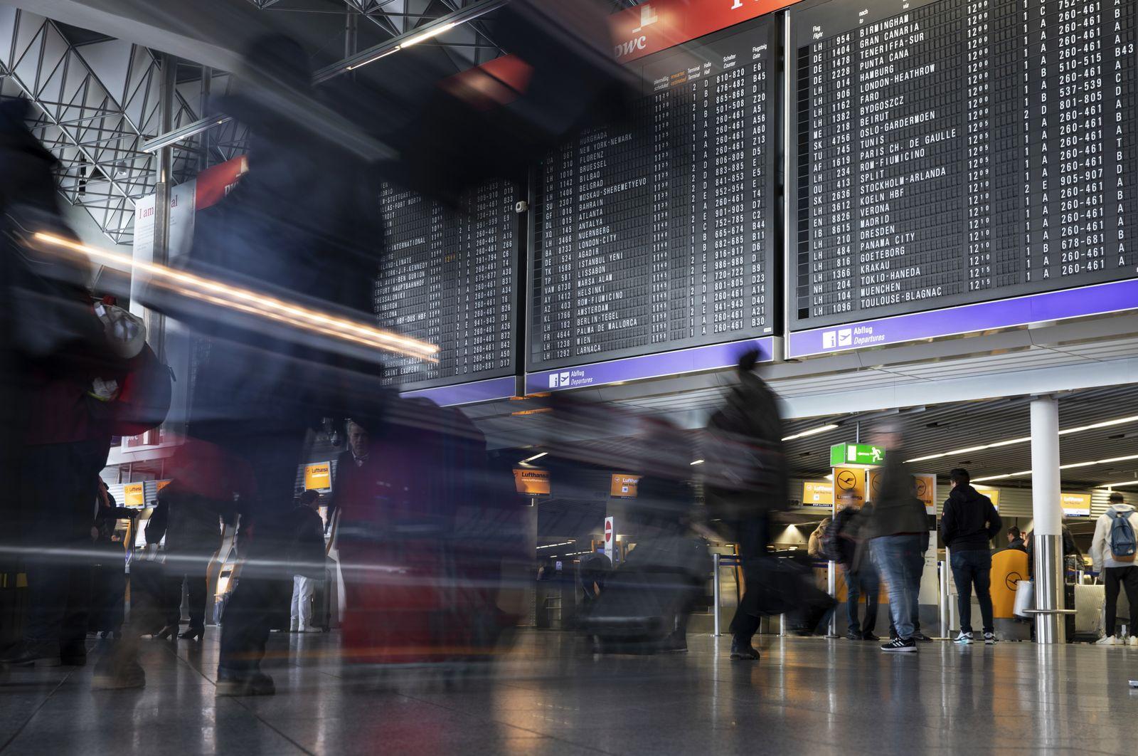 Flughafen Frankfurt Nach Drohnensichtung Vorubergehend Gesperrt Der Spiegel