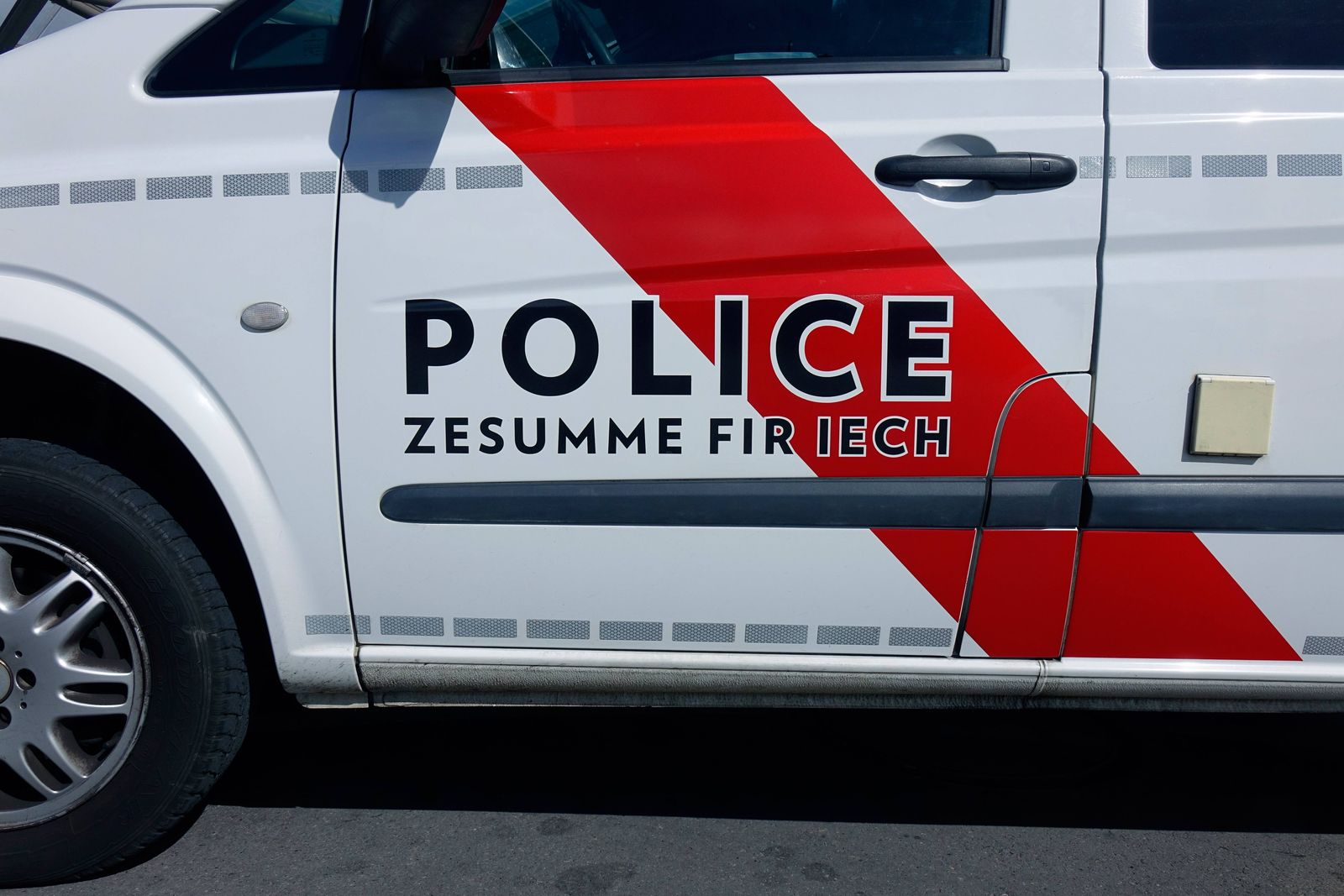 EINMALIGE VERWENDUNG Polizei Luxemburg