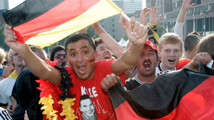 Photo Gallery: Cup Fever on the Streets