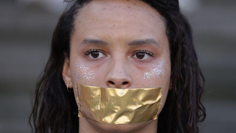 Man kann auch den Mund aufmachen, ohne ihn aufzumachen: Pro-Demokratie-Aktivistin in Berlin (Archivfoto)