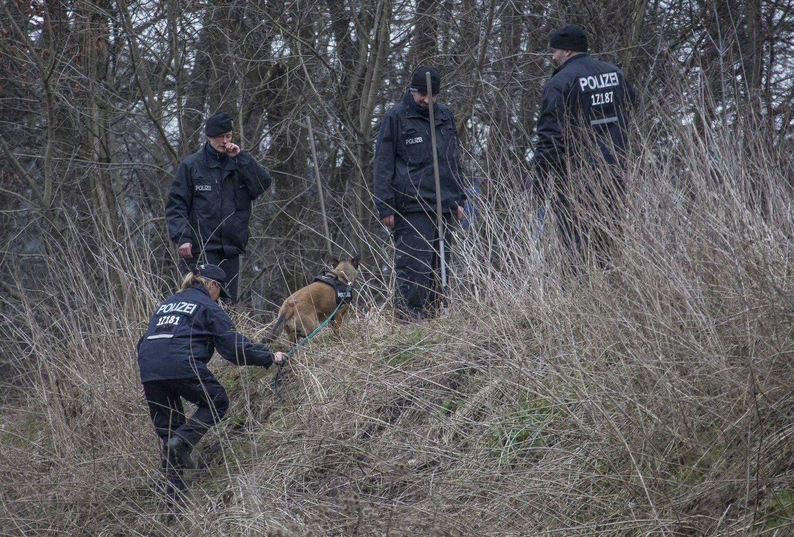 Pauschale Polizeidienst Berlin 19 2 2014 im Zusammenhang mit dem Fund von Knochen im Charlottenburge