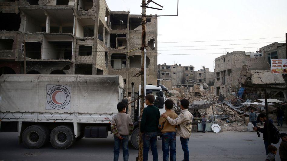 Eine Hilfslieferung für Zivilisten in Ost-Ghouta