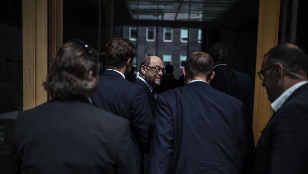 Photo Gallery: Schulz's Failed Effort to Unseat Merkel