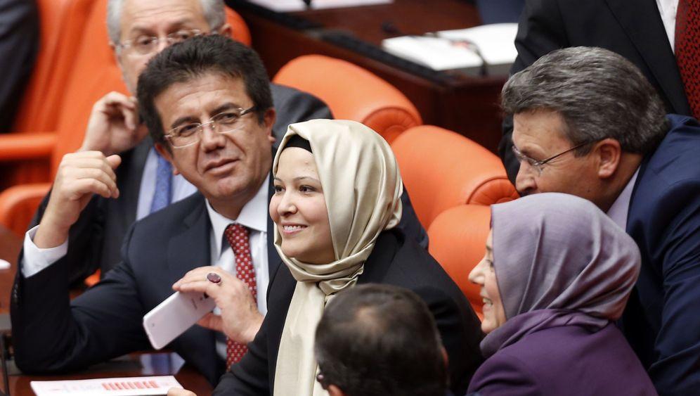 Türkei: Vier mit Kopftuch