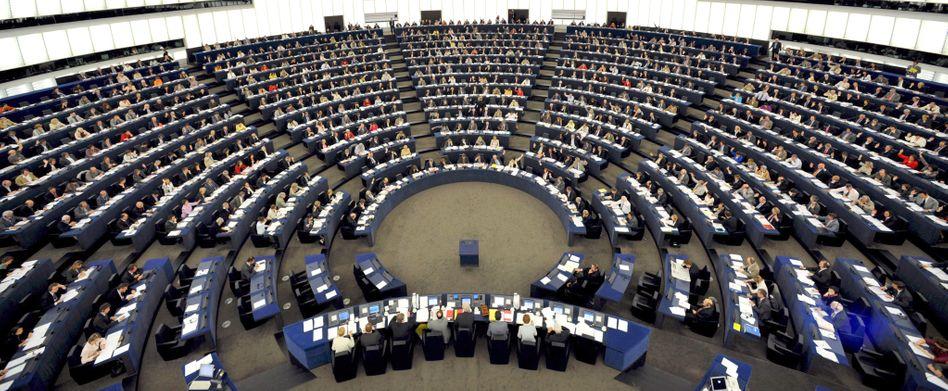 Europäisches Parlament in Straßburg: Erboste Abgeordnete drohen US-Unternehmen