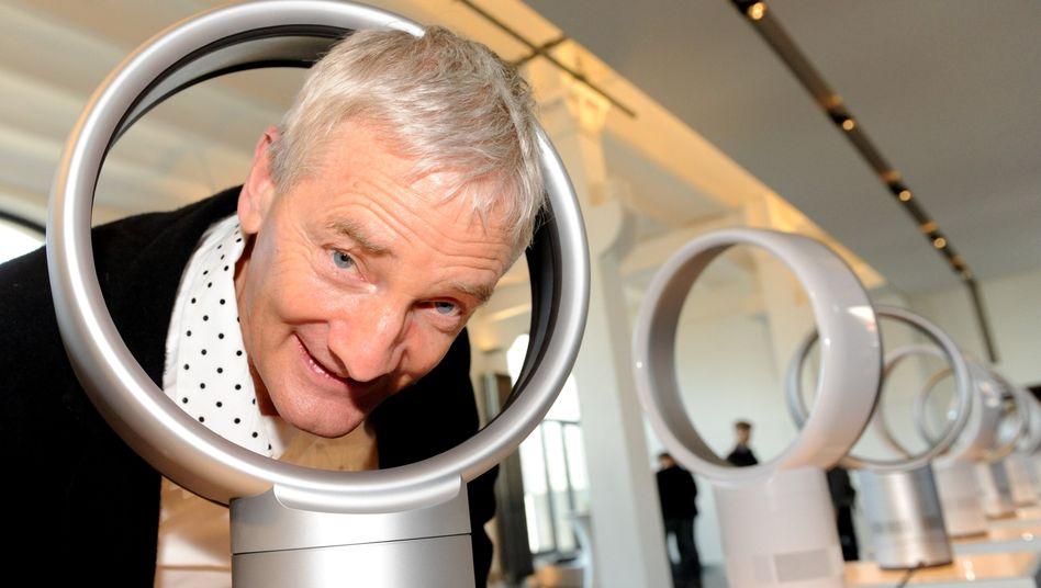 Unternehmer Dyson (Archivbild): Nicht nur seine Umzüge sorgen für Wirbel