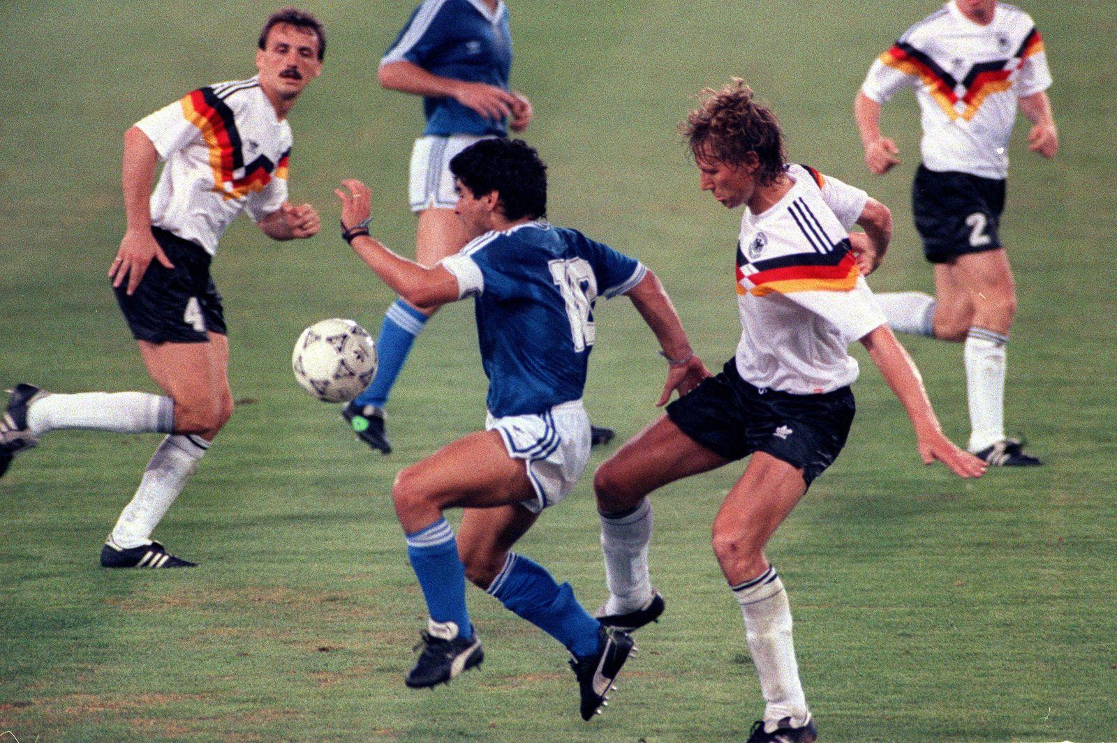 DIEGO MARADONA, GUIDO BUCHWALD MONDIALI ITALIA 1990 GERMANIA OVEST-ARGENTINA 1-0 FINALE PUBLICATIONxNOTxINxITA