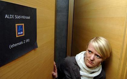 """Vorher Z 09, jetzt """"Aldi-Süd-Hörsaal"""": Eine Fachhochschule sucht Auswege aus der Finanzmisere"""