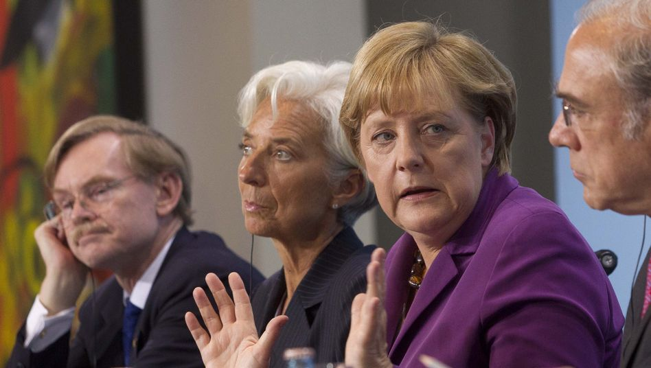 World Bank President Robert Zoellick, International Monetary Fund President Christine Lagarde and German Chancellor Angela Merkel: Would it be better to rescue banks or states?