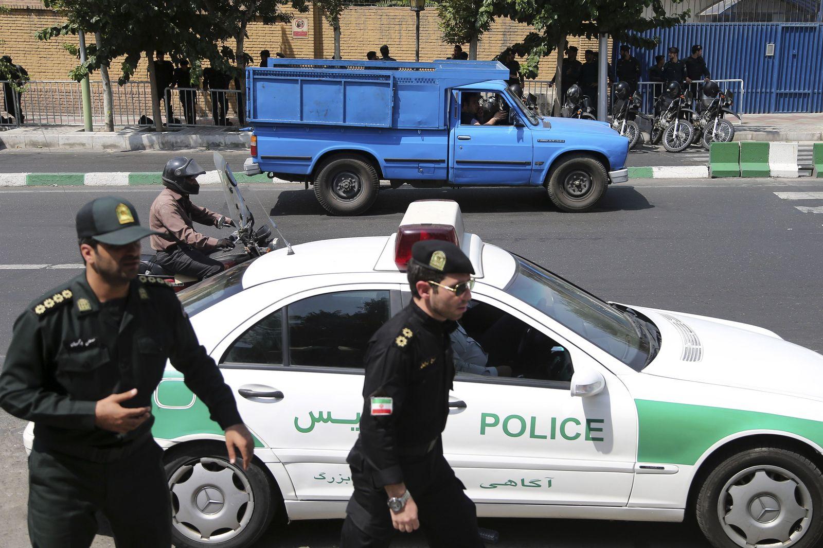 Iran/ Tehran/ Polizei